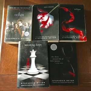 5 books in The Twilight Series